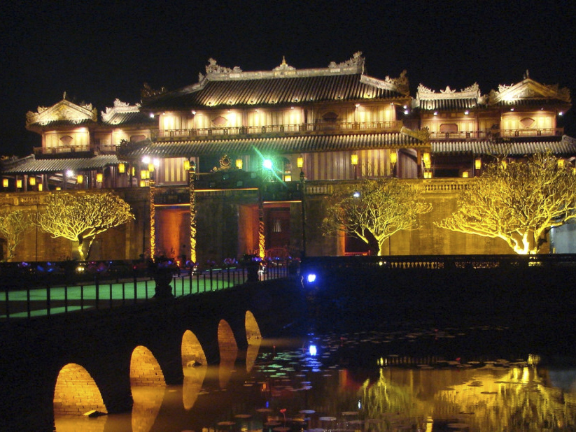 Private Taxi from Hoian To Hue